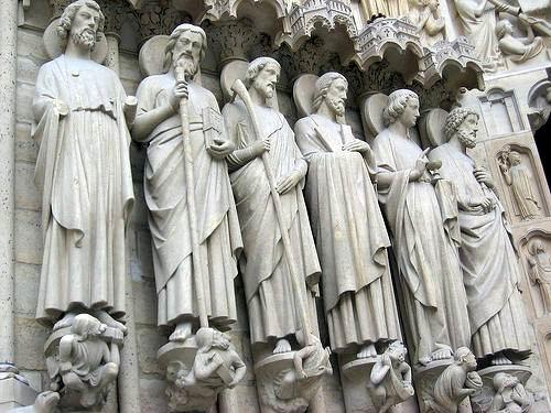 apostles notre dame stature 030711